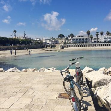 Beach-cruisers-at-Otranto-beach