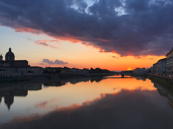 Sunset-on-the-Arno-River-in-Florence