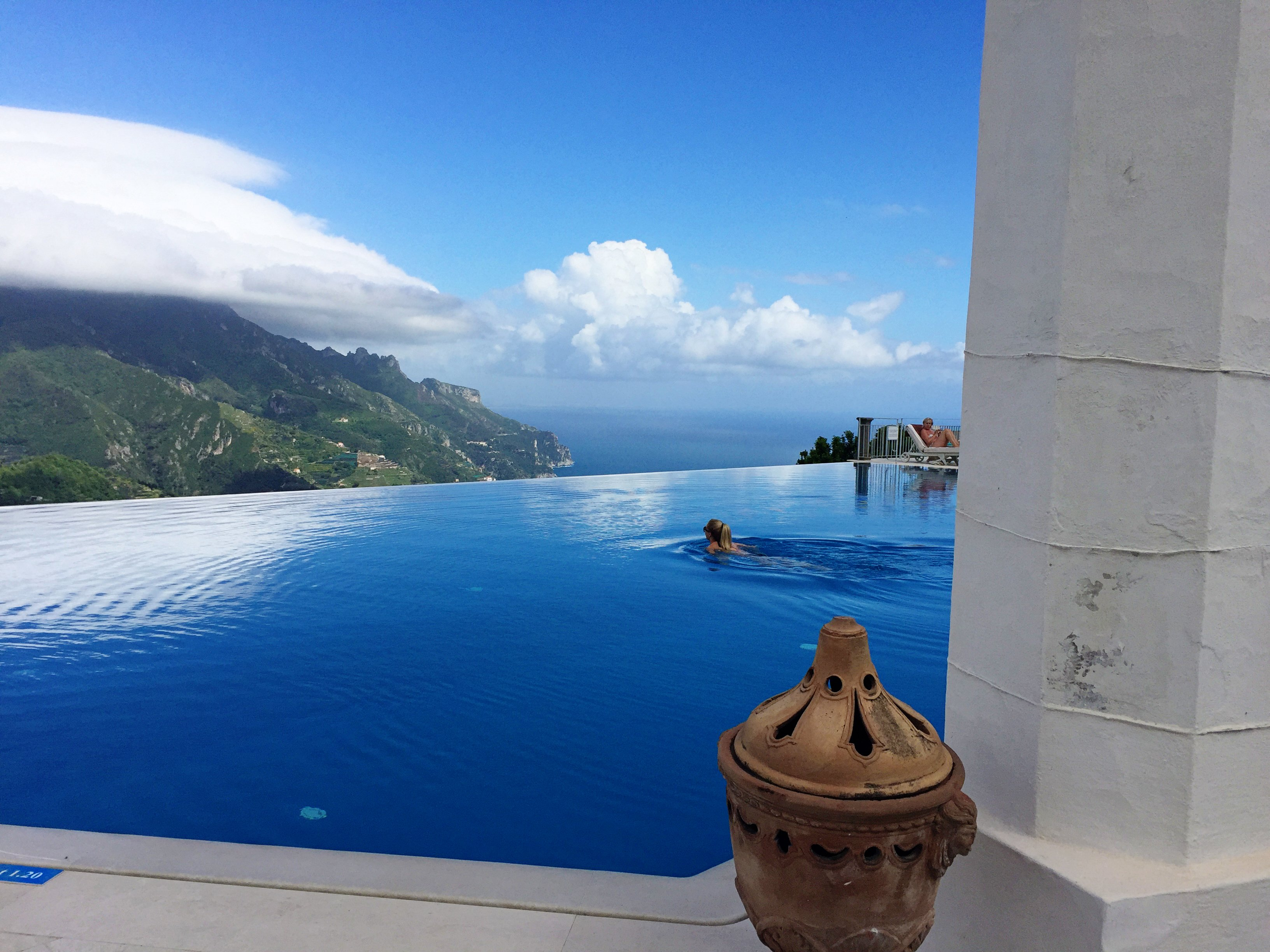 Ravello 39 s fairytale castle the belmond hotel caruso for Hotels in ravello with swimming pool