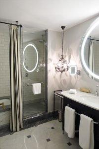 bathroom-hotel-maria-cristina