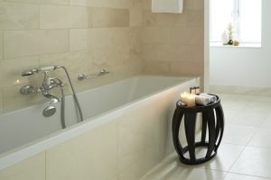 bathroom-tub-dangleterre