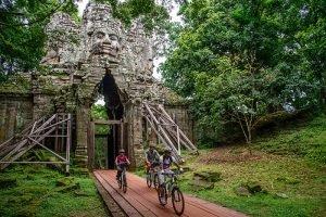 grasshopper-adventures-temples-2